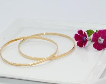 Wedding Gift | Seamless&Hammered Gold Bangle | Solid GOLD Bangles | 14K GOLD Bracelet For Women | Hammered Bracelet | Delicate Wide Bracelet