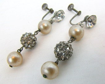 Vintage Rhinestone and Faux Pearl Dangle Earrings / Rhinestone Balls / Champagne Faux Pearl Beads / Screw Backs / Wedding / Hollywood Glam