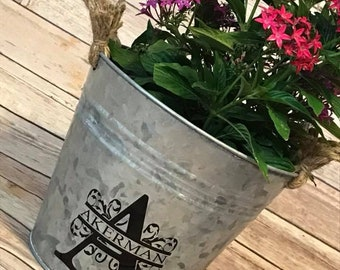 Personalized Metal Bucket with Rope Handles - Flowers not included.- Flower pot, bucket, tin bucket