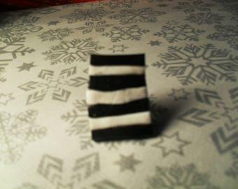 beautiful unique ring, stylish, original black and white