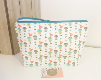 Toiletry bag for child