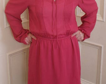 Vintage 1970s dress in floaty fuschia fabric, with pleat & frill details (Small)