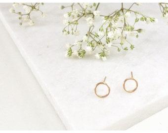 Karma Open Circle Stud Earrings,minimalist earrings,Circle Post Earrings ,Small Stud Earrings,Dainty Studs,Delicate Studs,Simple Earrings