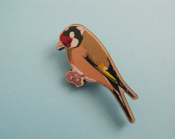 Goldfinch wooden brooch/badge