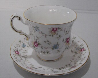 By Appointment to H.M. the  Queen china potters Paragon china Ltd. Stoke-on-Trent TEA CUP and SAUCER first choice pattern