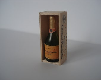 Miniature champagne, dollshouse miniature bottle, dollshouse wine, miniature wine bottle, champagne one inch 1:12 scale