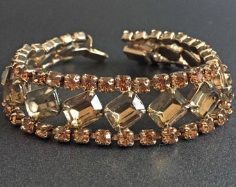 Golden Rhinestone Bracelet on Gold Tone, Formal Vintage Jewelry, Rhinestone Vintage Jewelry, Jewelry for Bride, Wedding Jewelry