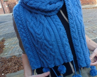 Chunky Cabled Scarf - Knitting Pattern