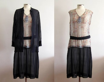 1920s Silk Dress / 20s Silk Dress 2 PC / SM / American Indian Feather Novelty Print