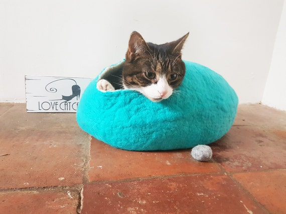 Cat Cave Bed Basket seafoam spearmint wool with FREE Ball Toy