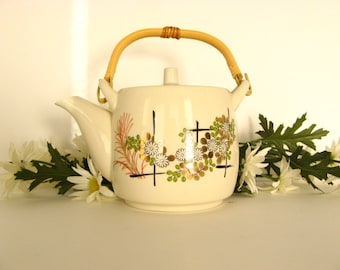 Vintage 1950s Teapot - Trellis with White Flowers and Green and Gold Leaves Mid Century