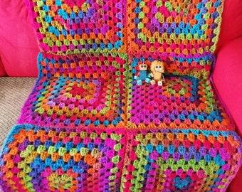 Oversized Chunky Giant Granny square Blanket Throw Afghan Merino wool Rainbow