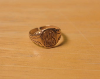"Art Nouveau Gold Tone Signet Ring with the Initials ""WB"""