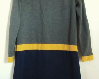 Marked Down 50%@@A Cute Vintage 60's Tri-Colored V -Neck HIPSTER iggy Dress.S