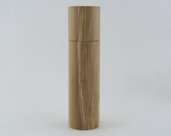 Spices and peppermill grinder in Pear wood ,Cylinder style with rod mechanisme  9 in item no: 722