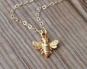 Tiny bee necklace,  bee necklace, bee gold necklace, charm necklace, dainty necklace, mom jewelry