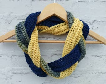 Braided scarf, ready to ship, infinity scarf, loop scarf, crocheted ladies scarf, winter scarf, plait scarf, women's fashion