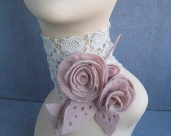 Pink brooch Felted flower brooch Light pink brooch Felted jewelry Felted pin Felt brooch Wool brooch Pink flower pin Pink pin Spring brooch