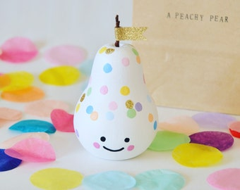 Celebration Confetti wooden 'Peachy Pear'