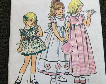 Vintage 70's Girl's Dress and Pinafore Simplicity 6686 Sz 5