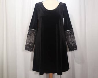 trapeze dress flared velvet and lace black long sleeve