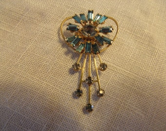 Pretty Vintage Pin with Blue Stones
