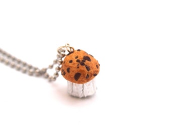 Realistic Chocolate Chip Muffin Necklace, Fimo Polymer Clay Muffin, Miniature Chocolate Muffin Necklace, Mini Food Jewelry,Stocking Stuffers