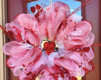 valentine's day red white and pink wreath / valentine's day wreath / outdoor wreath / front door wreath