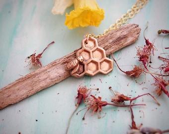 """Honey and Bee"" necklace / booty - radius of honey - Honeycomb / Nature & Botanical Style / hand carved / ""Valhala"""