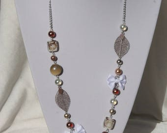 White and beige colors necklace
