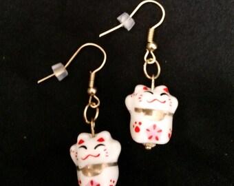 Adorable White Maneki Neko Chinese Good Luck Fortune Cat Earrings