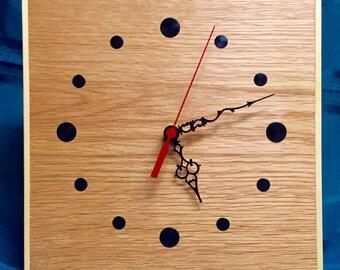 Oak dot clock - fancy hands