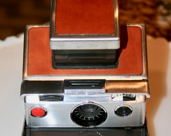 Polaroid SX-70 Land Camera//Camera With Case//Collectible//Vintage Camera