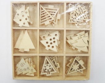 WOODEN SHAPES Christmas Trees, laser Cut Birch Wood, Pack of 45 pieces, Festive Craft Making, Cards,