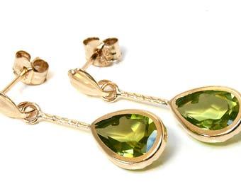 9ct Gold Peridot short Teardrop earrings with FREE gift box D1587