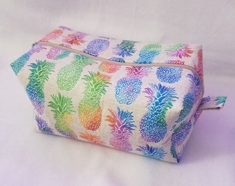 Rainbow Pineapples Zipper Pouch