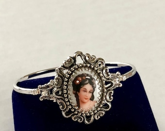 Vintage Victorian Style Silver Tone Thin Cameo Bangle Upcycled Designer Parted Ornate Scroll Frame Cameo Bracelet Avon Florenza Mixed Bangle