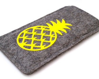 Felt sleeve / case / cover for your smartphone with pineapple