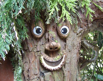 Tree Face, garden decoration, garden ornament, sculpture, statue. gifts for gardeners. Tree decoration. funny faces.  Yard art, funny faces.