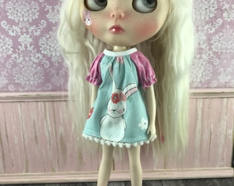 Blythe Smock Top - Bunny with Floral Headpiece