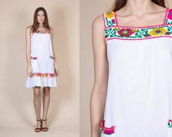 70s Hippie Mexican Dress - Medium/Large // Vintage Boho Embroidered Floral Pocket Mini