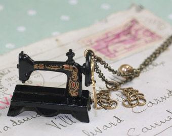 Sewing machine necklace antique style brass seamstress victorian vintage style scissors fashion design