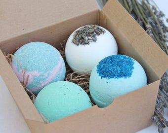 Bath Bomb Gift Set of 4, Bridesmaids, Birthday Gifts, Party Favors, Gifts for Mom, Gifts for Her, Family and Friends, Bath and Beauty