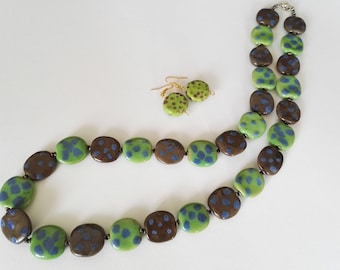 Kazuri Beads - Pebbles necklace with matching earrings