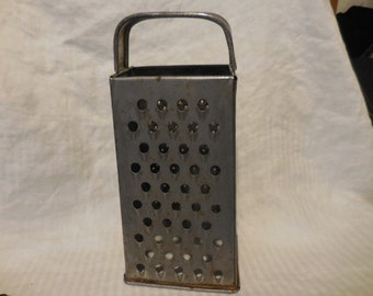 Vintage 1950s to 1960s Bromco Metal Silver Tone Grater Cheese/Garlic/Vegtables/Ginger/Rind Retro Kitchen Utensil Worn Looking Prop/Decor