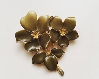"1960s Vintage green lily enamel signed ""K"" gold tone brooch"
