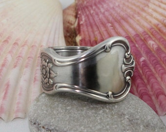 "Silver Spoon Ring ""Signature"" Pattern 1950 Old Company Plate"