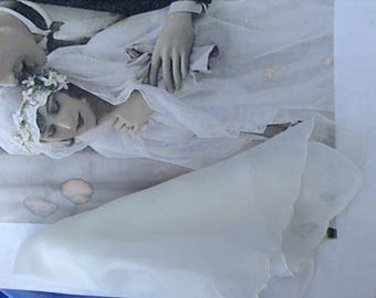 vintage white hankie vintage handkerchief bridal hankie scalloped edge hankie Free shipping