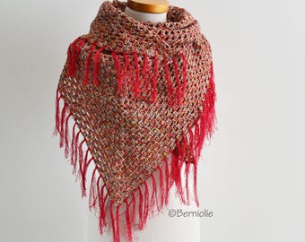 Crochet shawl with fringe, Q539