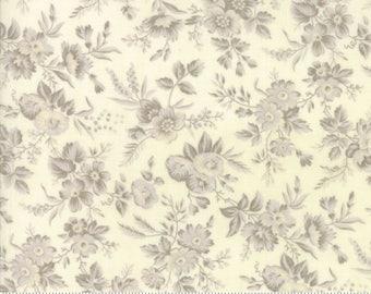 Cream Snowberry Prints Fabric - 44142 11 - 3 sisters - Moda